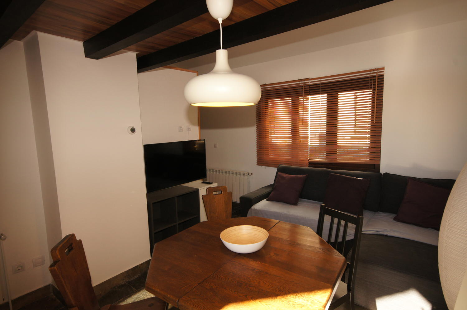 Apartment -                                       Sahun -                                       2 bedrooms -                                       5 persons